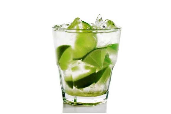 Preparazione Cocktail caipirinha