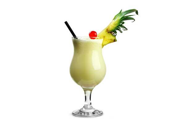 Preparazione Cocktail pina colada