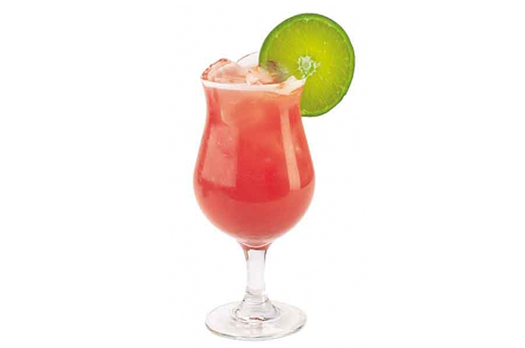 Preparazione cocktail sea breeze