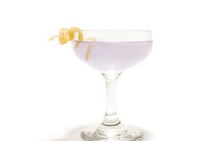 Cocktail Aviation: Ricetta e Storia di un Grande Classico