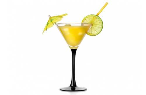 ecco come preparare perfettamente la ricetta del cocktail yellow bird